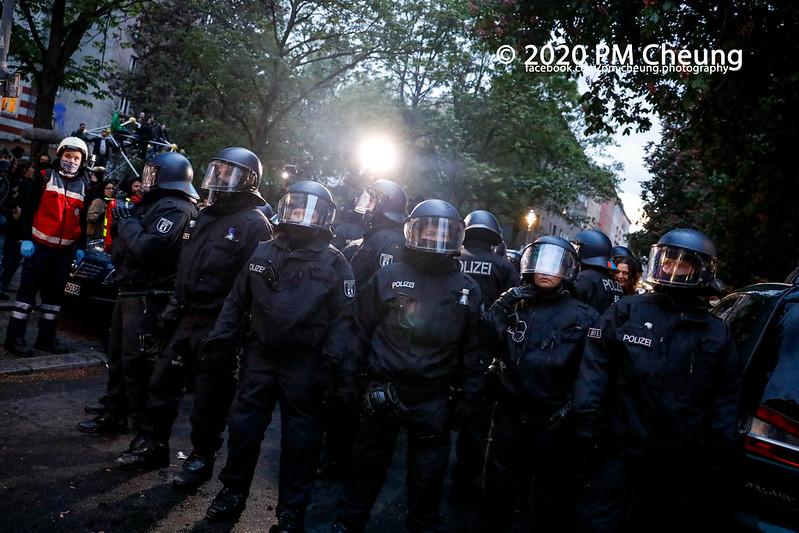 "Revolutionäre 1. Mai Demonstration: ""Evakuiert Moria! Heraus zum Revolutionären 1. Mai!"" – 01.05.2020 – Berlin -_MG_2473"