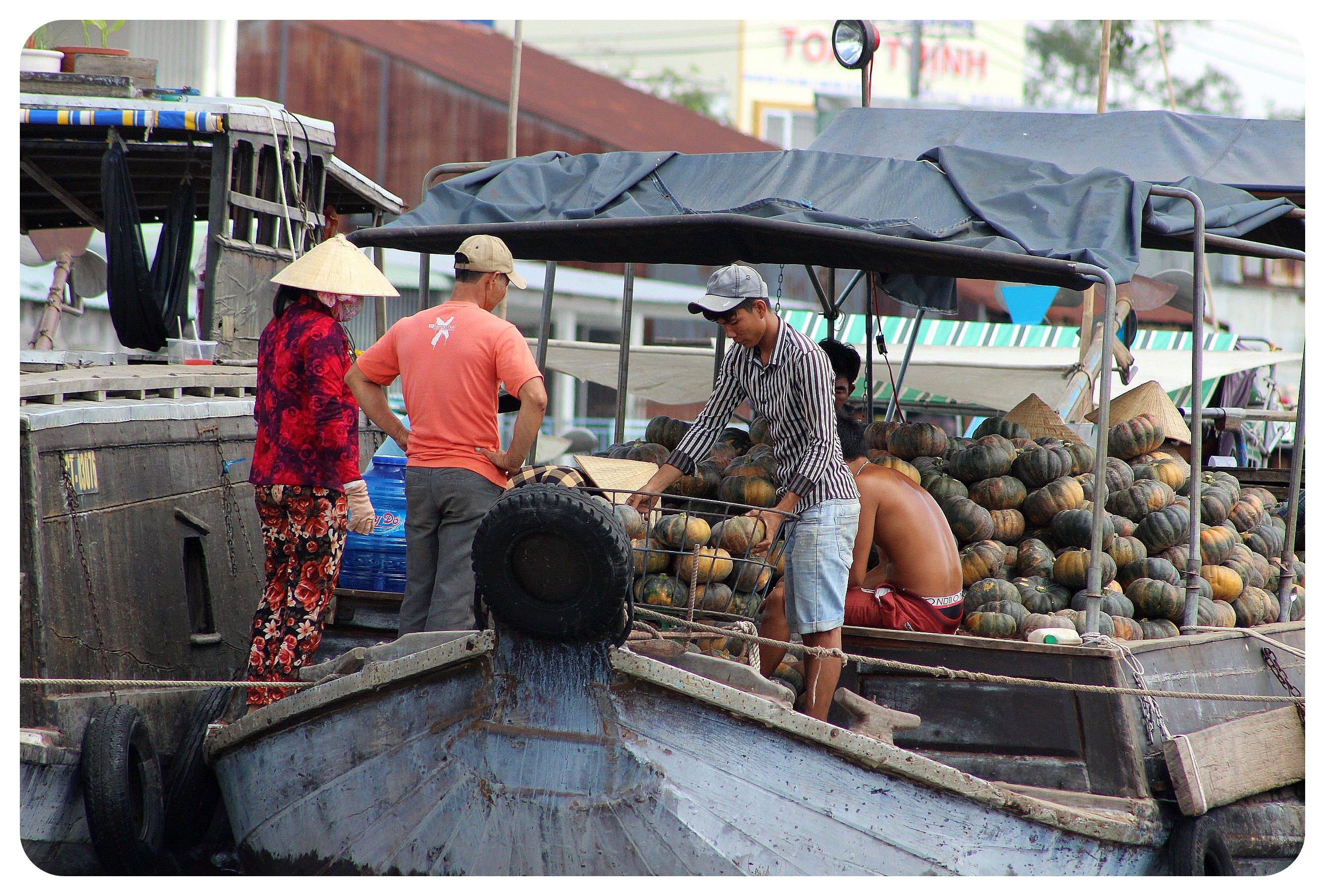 mekong delta pumpkin boat
