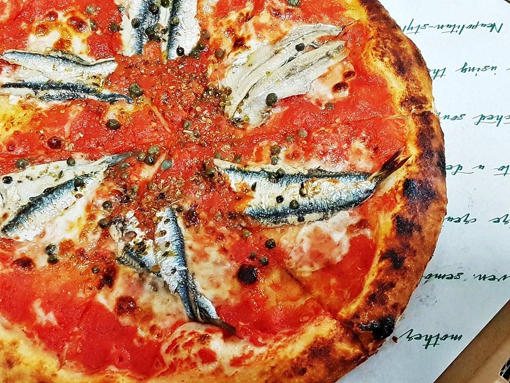 Romana Fior Di Latte Mozzarella, Anchovies, Capers, Tomato, Oregano