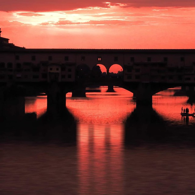 Ponte vecchio sunset red sky