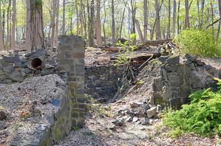 Rockland Lake Ruins