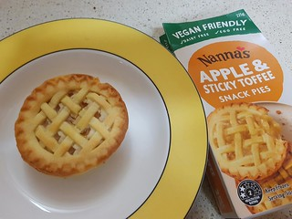 Nanna's Apple Pie - Microwaved