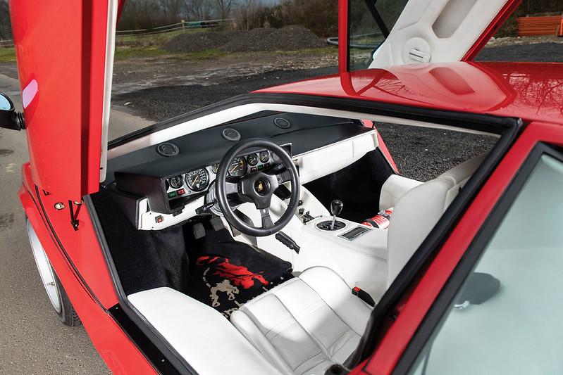 Lamborghini-Countach-4