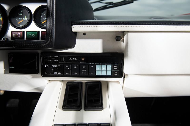 Lamborghini-Countach-23