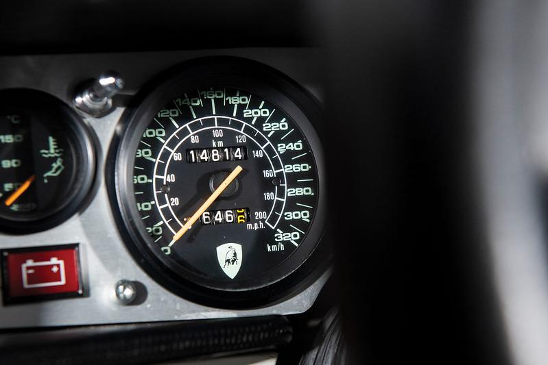 Lamborghini-Countach-21