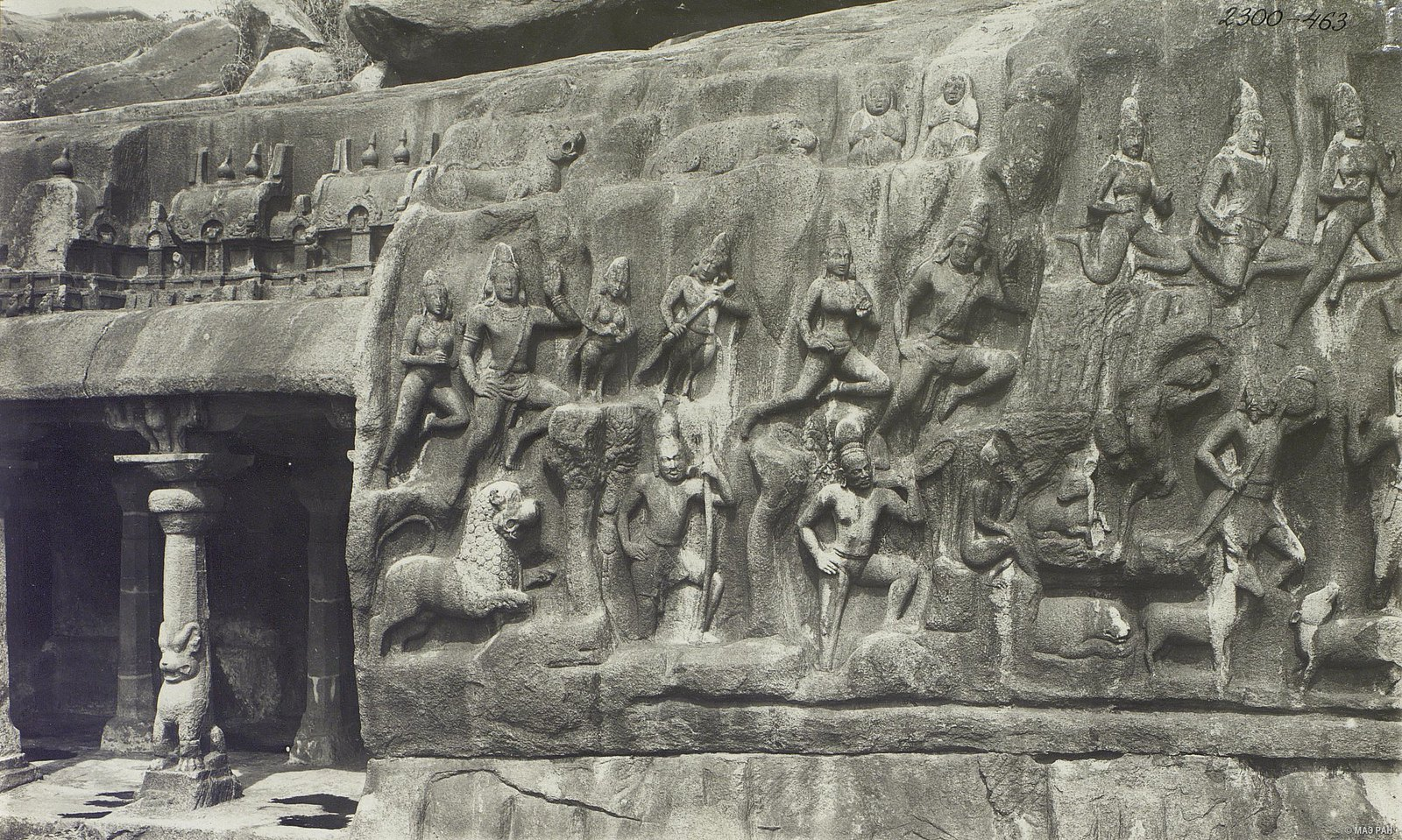 Мамаллапур (деталь рельефа у входа в храм)