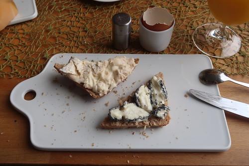 Peyrigoux sowie Le Cabrissac auf Dinkel-Vollkorn-Weckerl