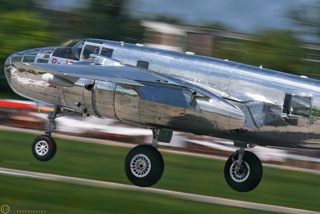 Норт Америкэн B-25 Митчелл / North American B-25 Mitchell