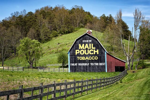 Sandyville Mail Pouch Barn