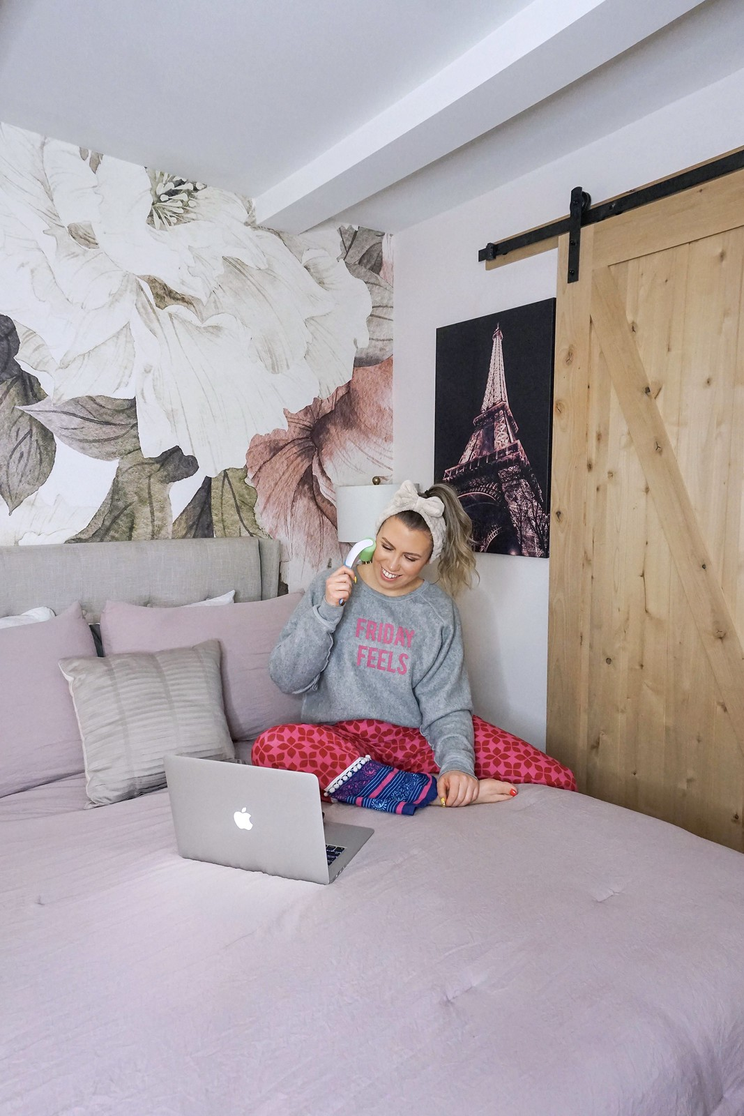 Friday Feels Sweatshirt | 10 Comfortable Quarantine Outfits | Stay At Home Outfit Ideas | Shelter in Place Outfits | Self Care Looks