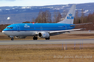 KLM B737-306 PH-BDE at ENGM/OSL 05-04-2008