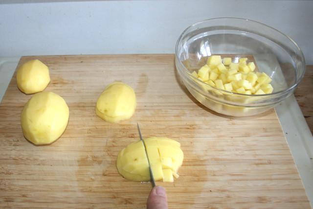 09 - Kartoffeln würfeln / Dice potatoes