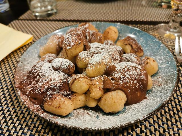Découverte du restaurant italien l'Oro di Napoli : des gnocchis frits au Nutella pour le dessert :D