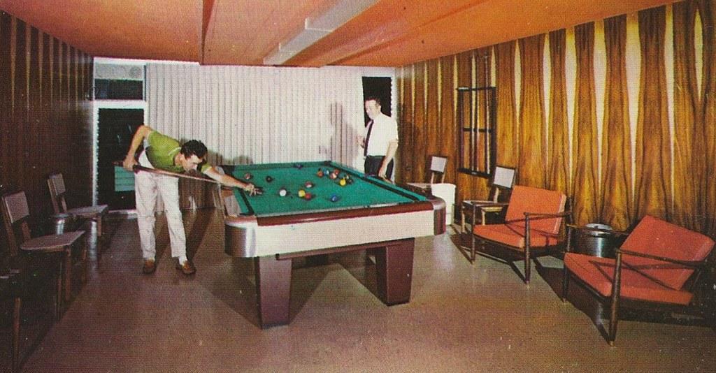 Tropics Modesto Billiard Room
