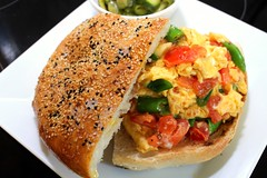 SCRAMBLED EGGS & BREAD