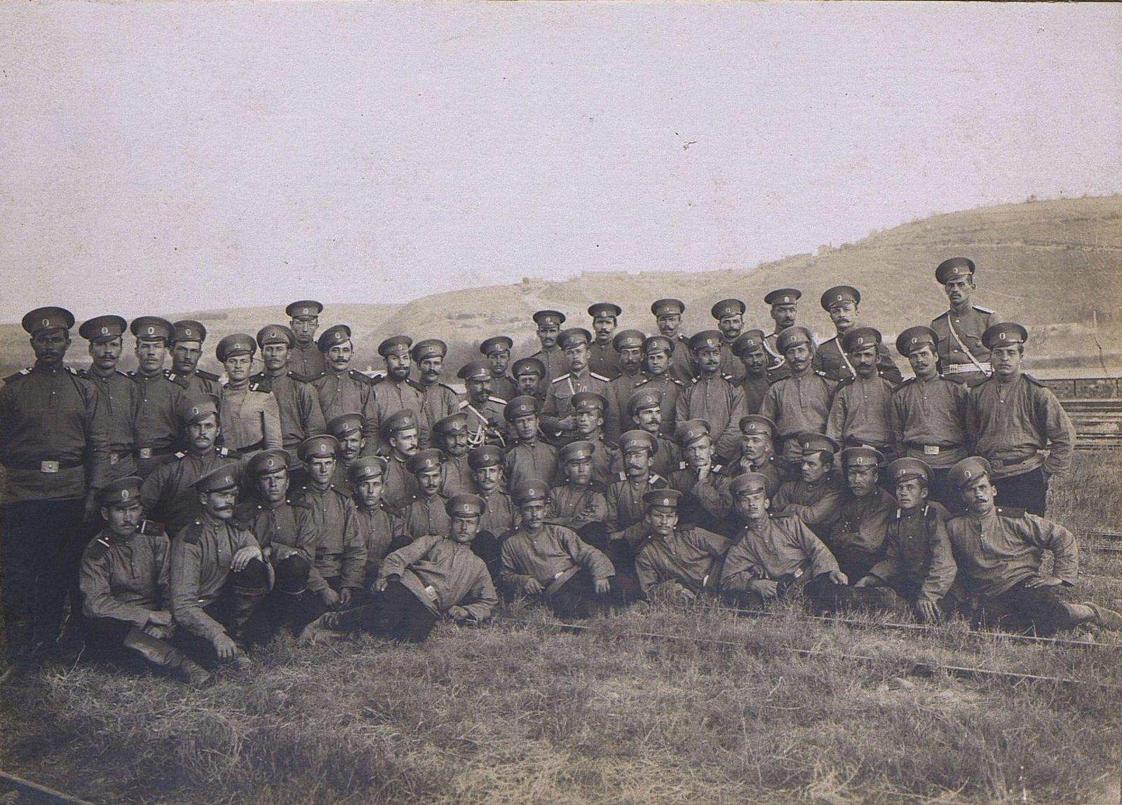 02. Группа военных