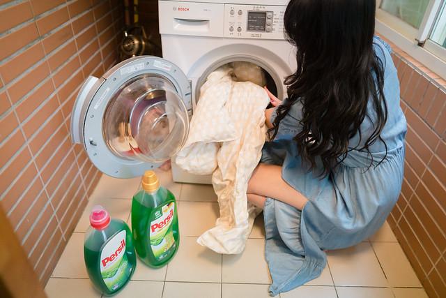 好市多熱賣款洗衣精Persil寶瀅(金蓋)是三效合一洗衣精,一次搞定洗淨和99.9%抗菌(可抑制金黃葡萄球菌, 大腸桿菌, 綠膿桿菌與化膿性鏈球菌)與德國極效除臭技術