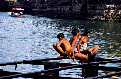 river narmada omkareshwar sunset quiet boat bath fun enjoyment enjoylife friends evening cool indore madhyapradesh india