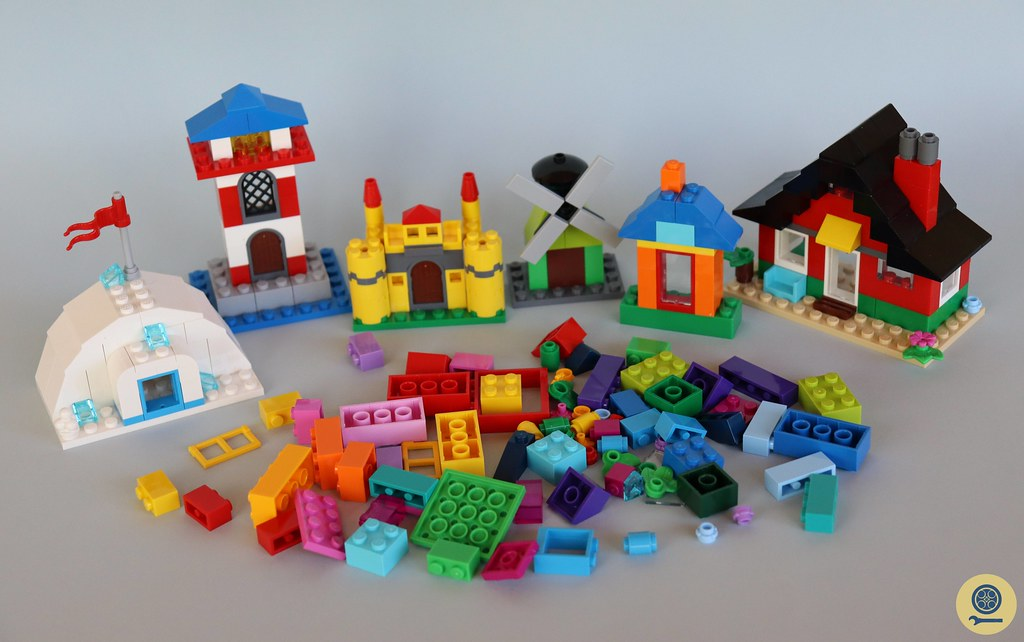 11008 Bricks and Houses 4