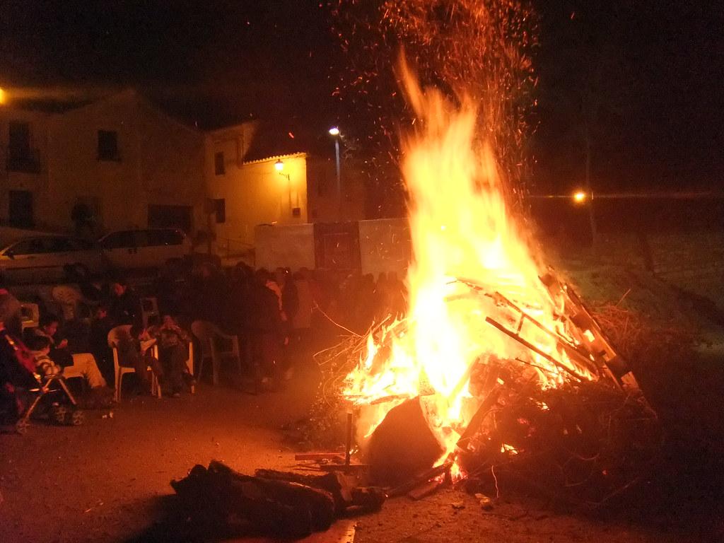 Lumbre de San Antón en Torredonjimeno