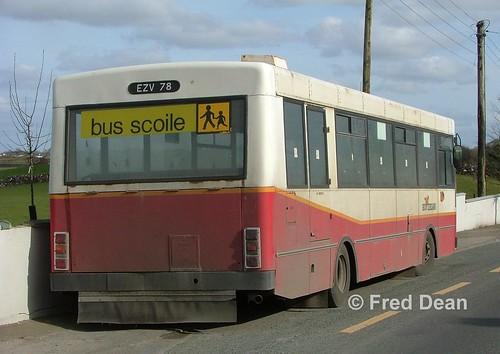 buseireann gac ks78 kr78 ezv78 zv milltown galway april2006 schoolbus busscoile