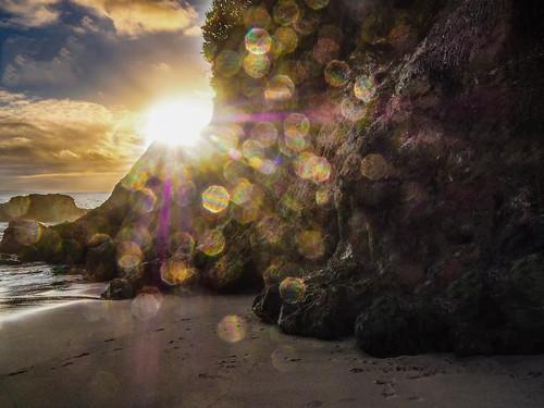 sunset sunrise beach laguna california lagunabeach rocks coast coastline sun spots sunspots