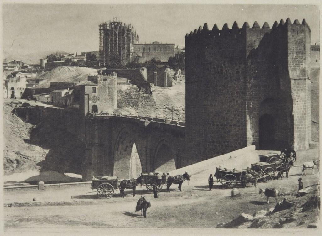 Puente de San Martín en 1913 fotografiado por James Craig Annan