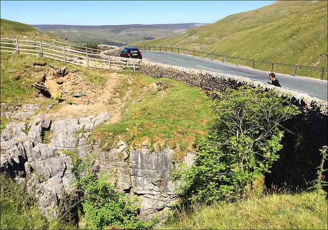 Buttertubs Pass between Swaledale and Wensleydale
