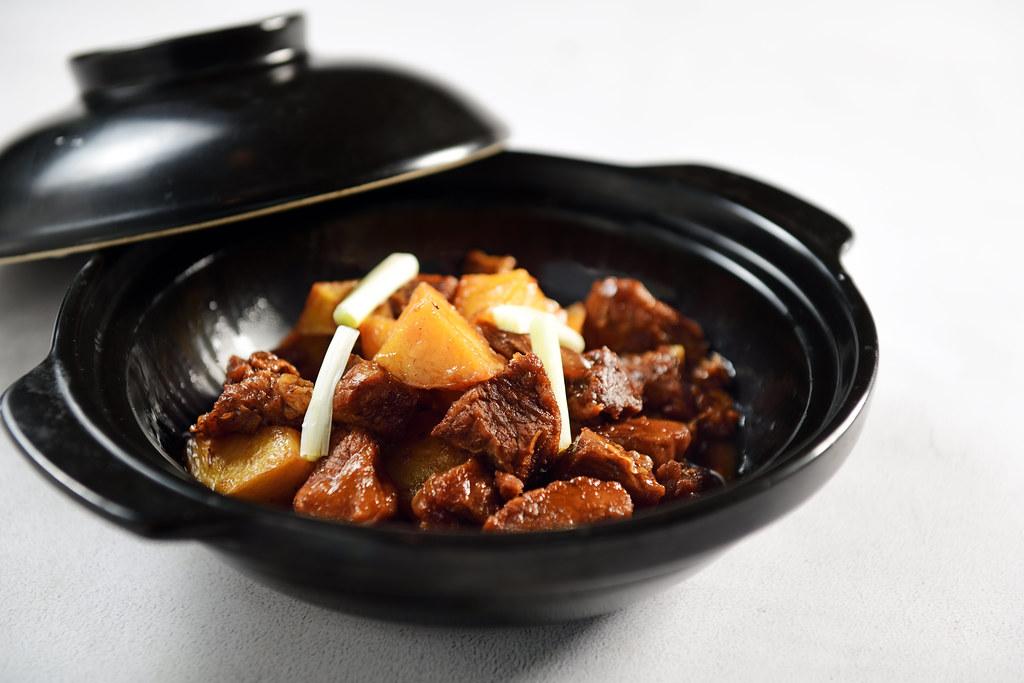 Braised beef brisket with potatoes Õ¡∂π…'≈£ÎÓ (1)