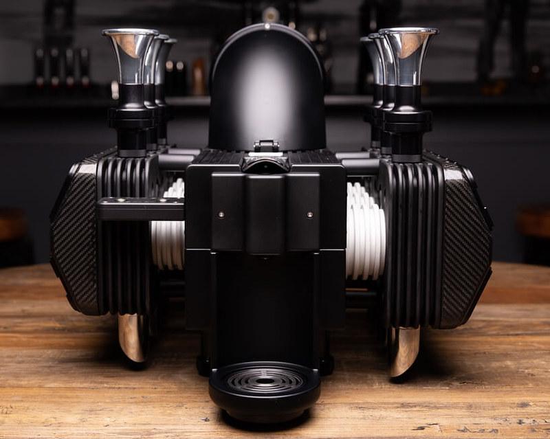 5e32a989685ac817042edb1e_Espresso-Veloce-RS-Black-Edition0004