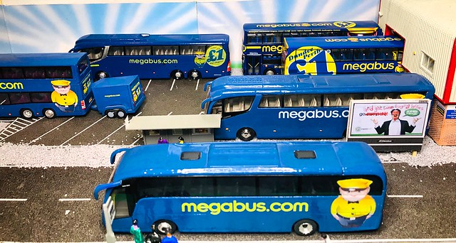 CMLN & Code 3 1/76 scale Megabus Models - Belshotmuir Diorama.