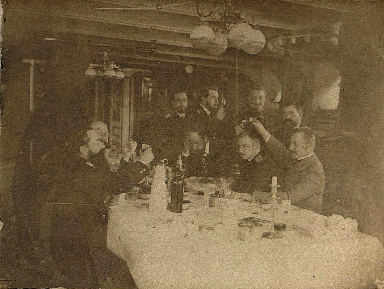 1897. Алжир. Окончание обеда в кают-кампании крейсера «Владимир Мономах». Декабрь