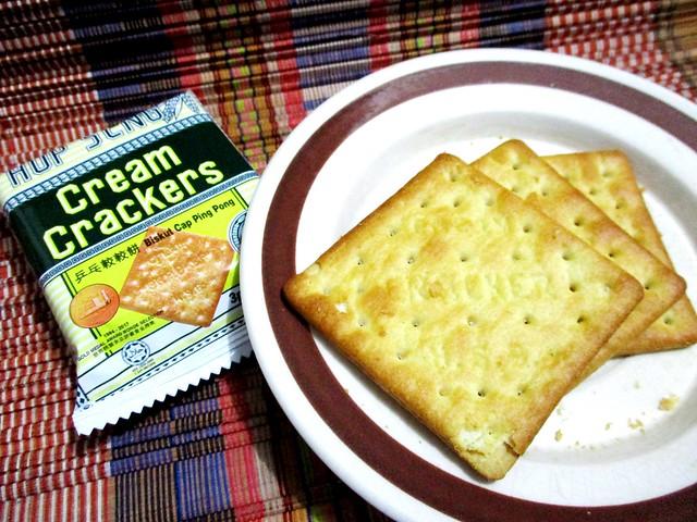 Hup Seng Cream Crackers, individual packs