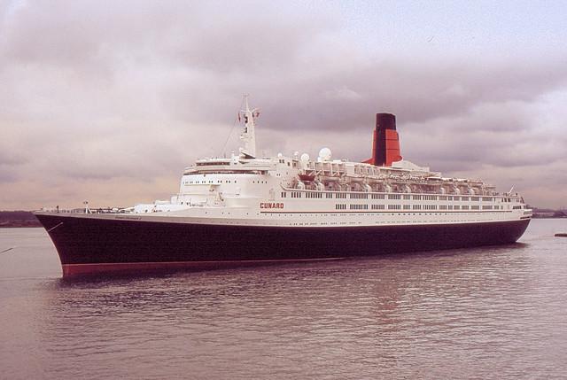 QE2-2 Southampton Water April 1996