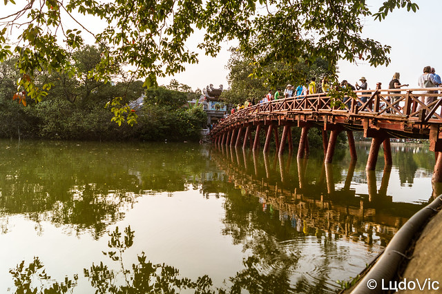 Ngoc Son Bridge, Hanoi