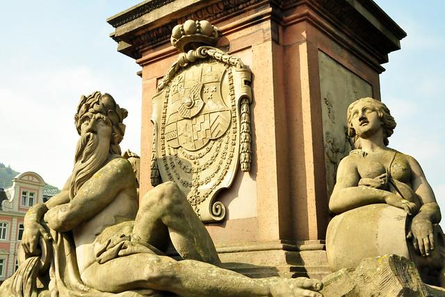 Die Alte Brücke in Heidelberg ... Foto: Brigitte Stolle