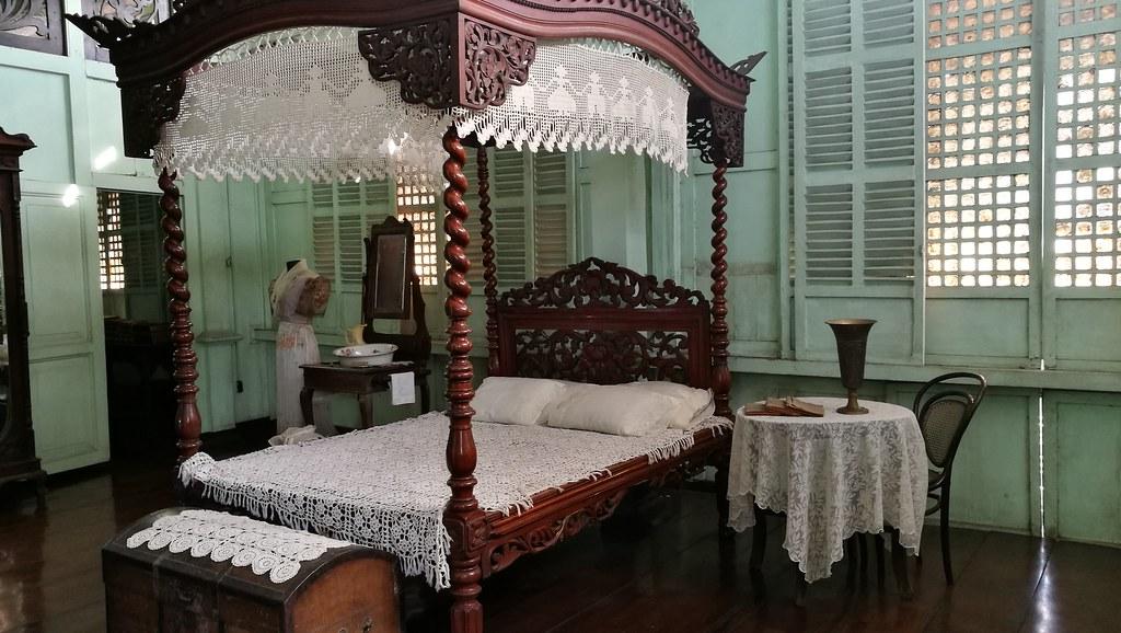 Jalandoni House