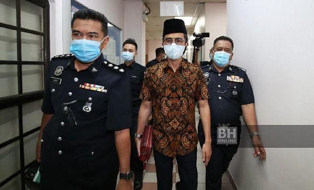 Guna Lambang Sultan Johor, Wak Doyok Mengaku Tidak Bersalah
