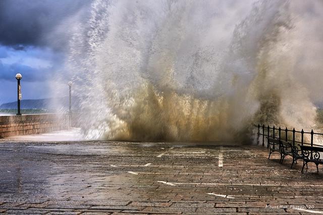 Razbijanje valova o obalu u Lovranu 21. 12. 2019. (4)