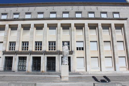 Obras de Requalificação do Paço Real e conjuntos escultóricos da Alta