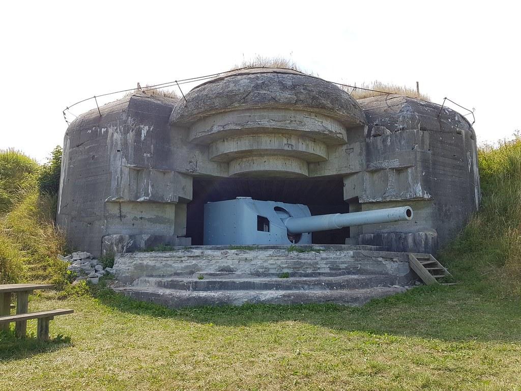 Atlantikwall Regelbau M270 Artillery Casemate, Bunker with Embrasured emplacement for 17 cm gun