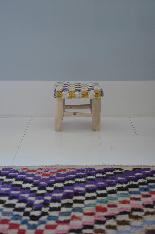 xs woodwoolstool - checkered crochet cover