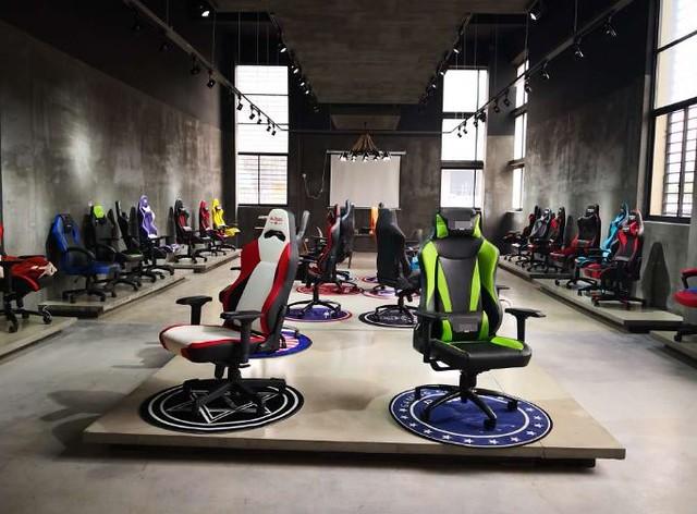 Chères chaises