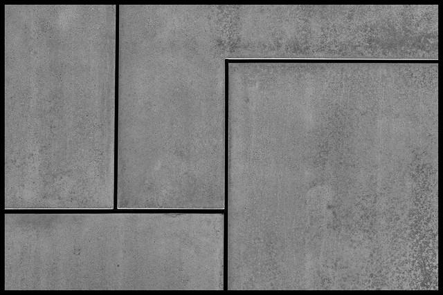 Fair-faced concrete (segmented)