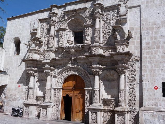 Fachada barroca de Arequipa (Perú)