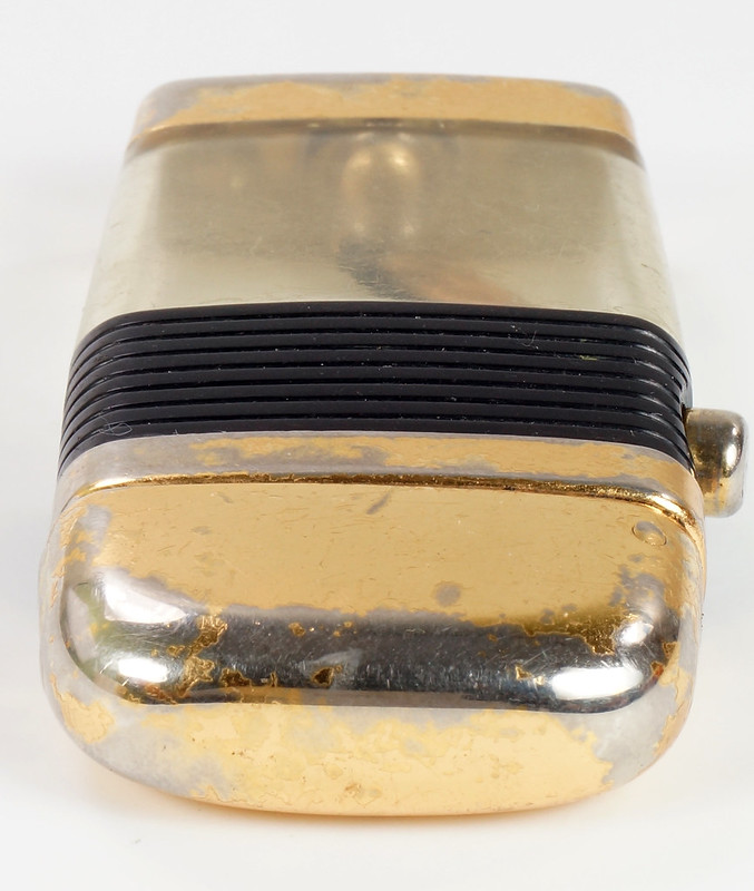 RD28589 Vintage Scripto VU LIGHTER Black Fishing FLY Lure with BLACK BAND DSC03812