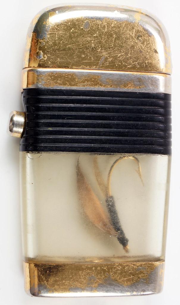 RD28589 Vintage Scripto VU LIGHTER Black Fishing FLY Lure with BLACK BAND DSC03808
