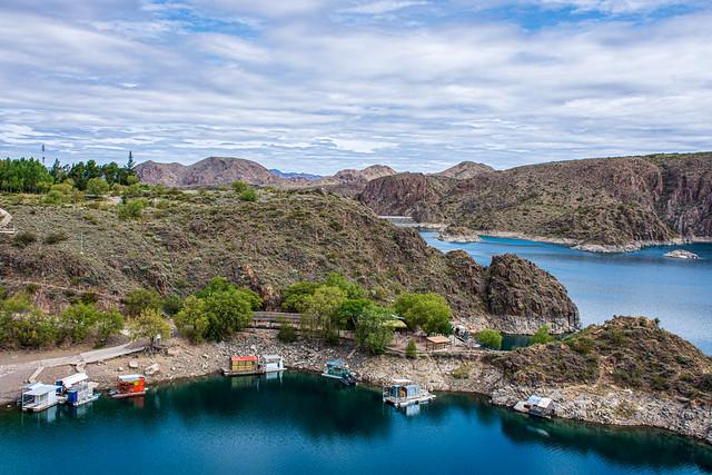 Lago de la represa