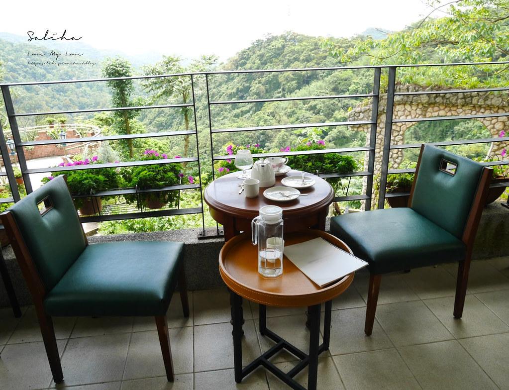新店銀河洞景觀戶外餐廳推薦青立方 咖啡廳花草植物系好美好拍ig網美景點分享 (3)