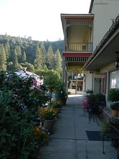 Cute Sidewalk @ Mariposa, CA